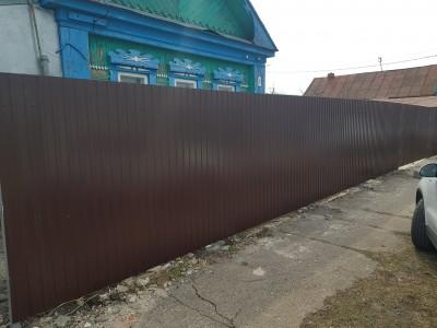 Забор из профнастила RAL 8017 высотой 2м