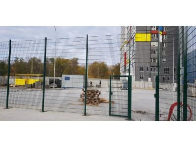 Ограждение спортивной площадки 3D забором