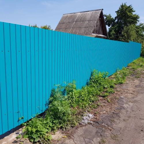 Бирюзовый забор из профнастила