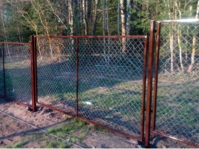 Забор из сетки рабицы в раме